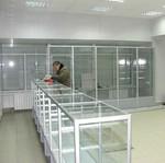 аптечни стелажи и шкафове