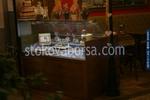 Производство на стъклени правоъгълни хладилни витрини за торти по поръчка
