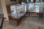 Производство на хладилни витрини за торти
